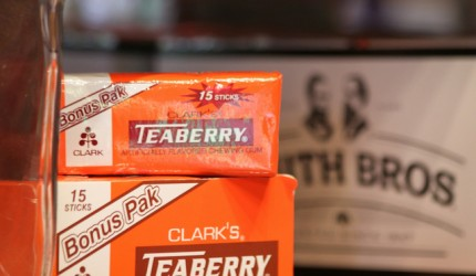 Clarks Teaberry Gum