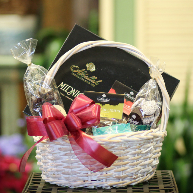 chocolate basket for delivery