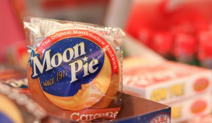 twin cities, minnesota, candy shop, near anoka, blog,salted caramel, moon pie